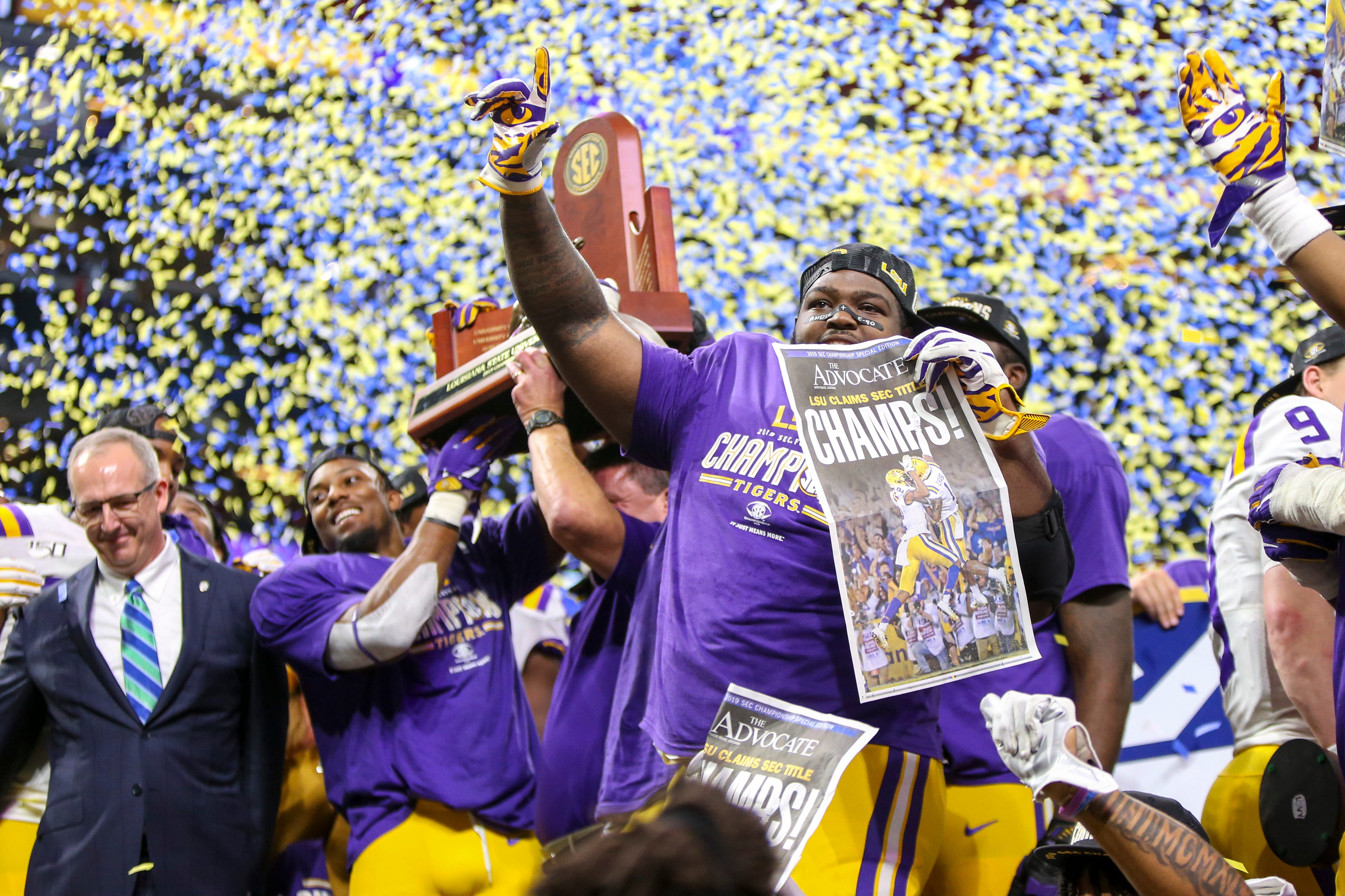 LSU keeps No. 1 ranking ahead of Ohio State in the final Amway Coaches Poll of regular season