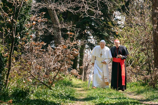 """Anthony Hopkins and Jonathan Pryce in """"The Two Popes."""""""