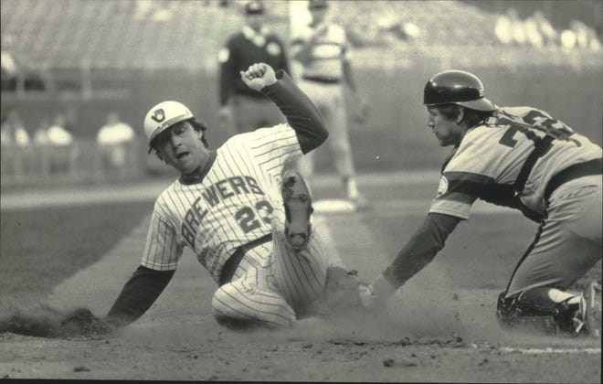 Former Brewers catcher Ted Simmons (left) will join catcher Carlton Fisk (right) in the Hall of Fame this summer. Simmons was elected by the veterans committee.