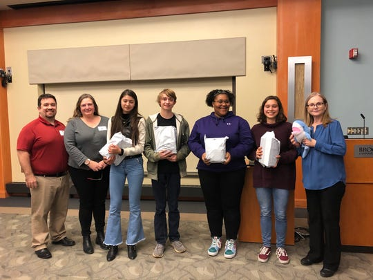 Morristown High School Junior Isabel Gringeri, Sophomores Joseph Cama, Sue-Juan Clayton and Sofia Wawrzyniak stand alongside Physics & Engineering Teacher, Mariel Kolker and advisors.