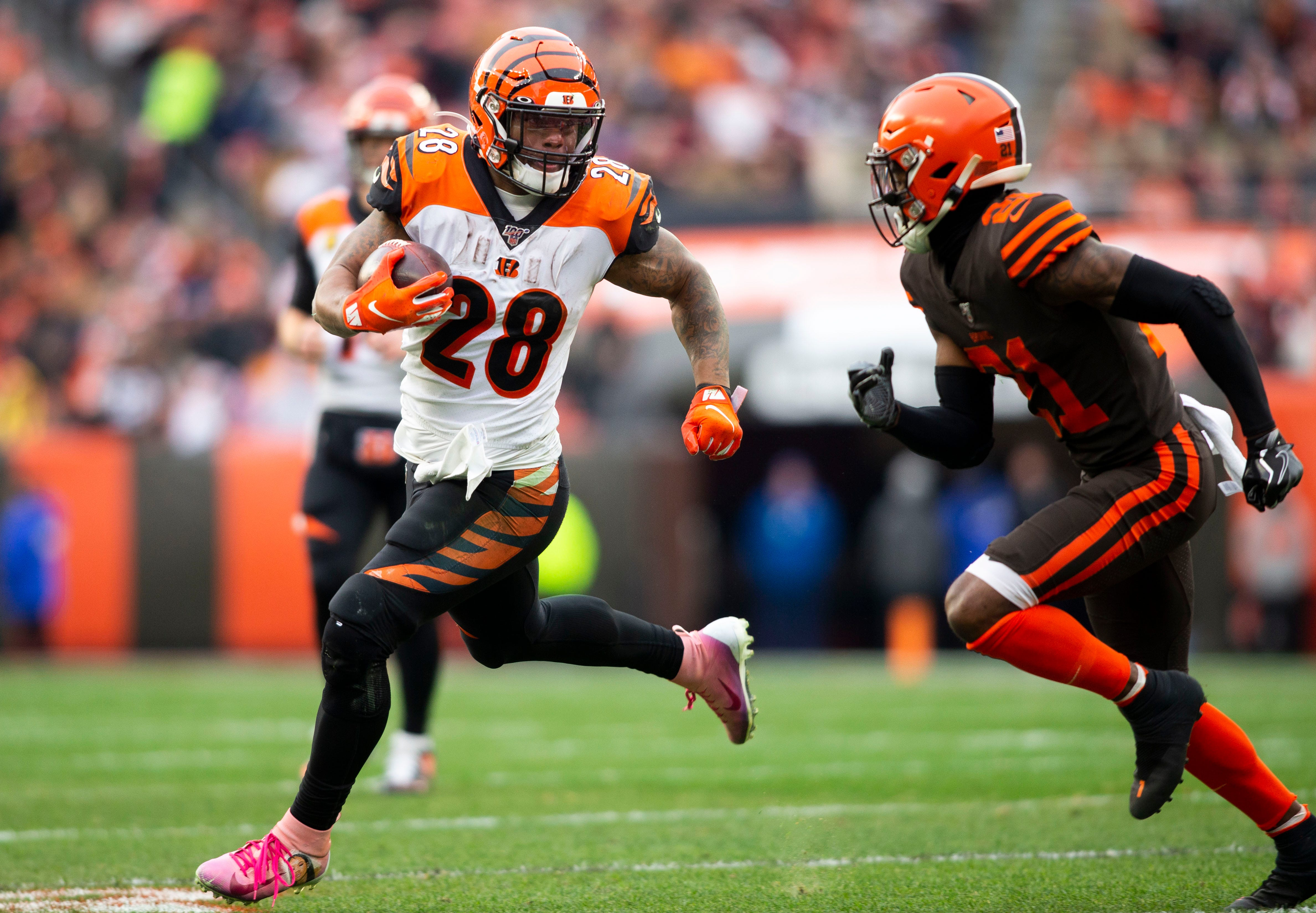 Fantasy football sizzlers, fizzlers: Joe Mixon peaking at the right time