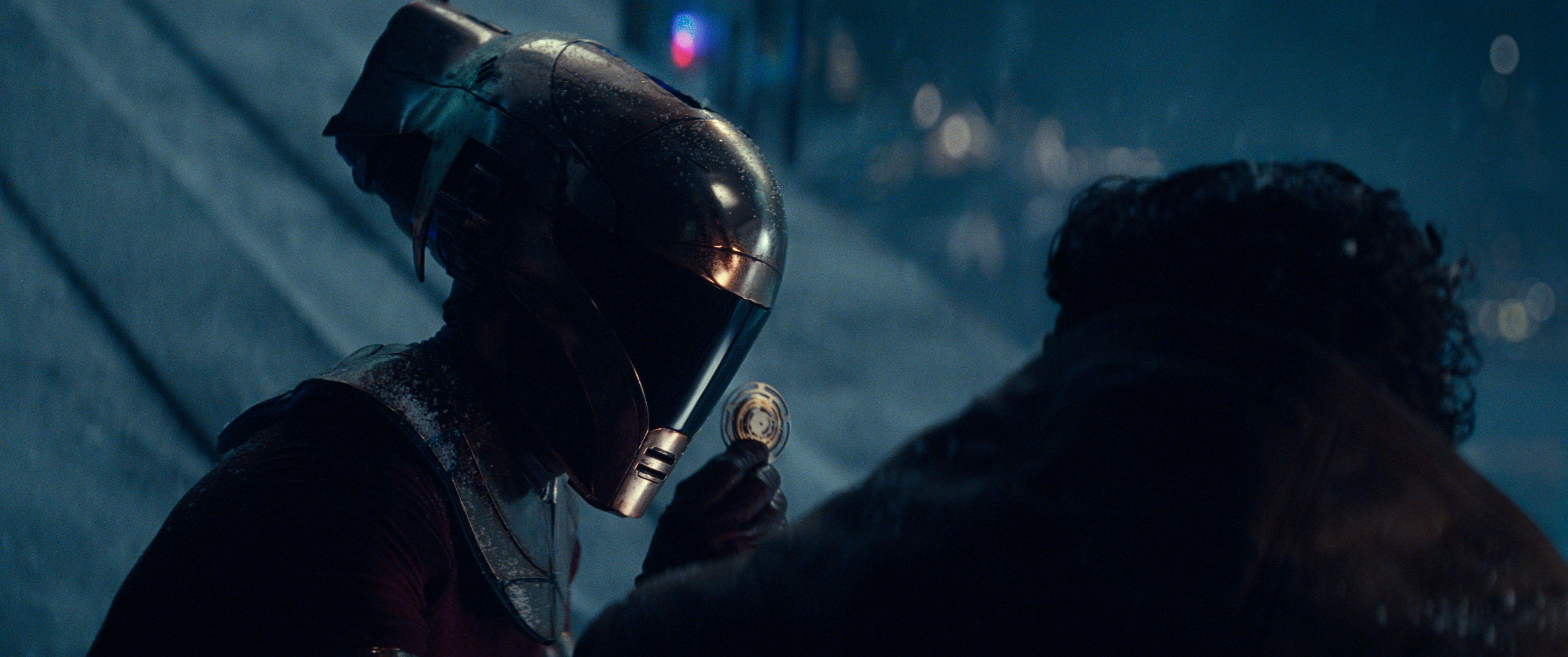 Star Wars Keri Russell Rocks Amazing Helmet In Rise Of Skywalker