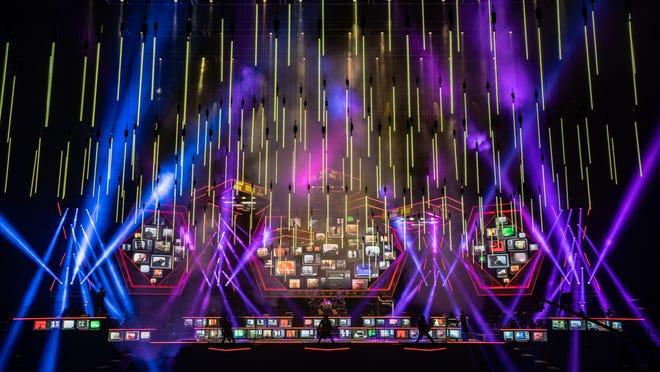 Trans-Siberian Orchestra presents a holiday extravaganza.