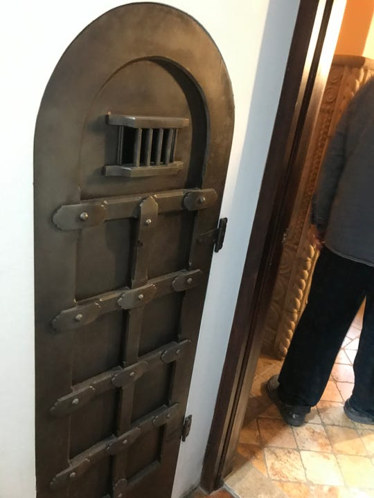 Behind this dungeon door is .... a pantry.