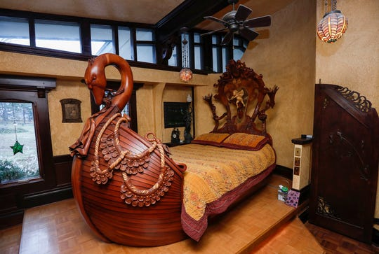 This swan-shaped bed was created by Jeff Brundege for use in his home on East Farm Road 148.