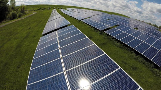 The Henderson County Fiscal Court approved the first reading of an ordinance establishing zoning regulations for solar farms.