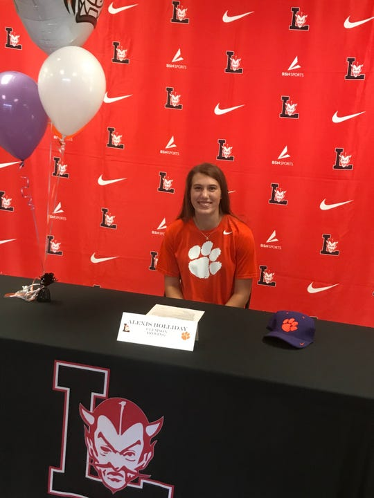 Alexis Holliday signed to Clemson rowing on Friday November 22, 2019 at Liberty High School.