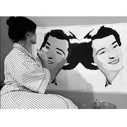 McKenna Thatcher working on a portrait.