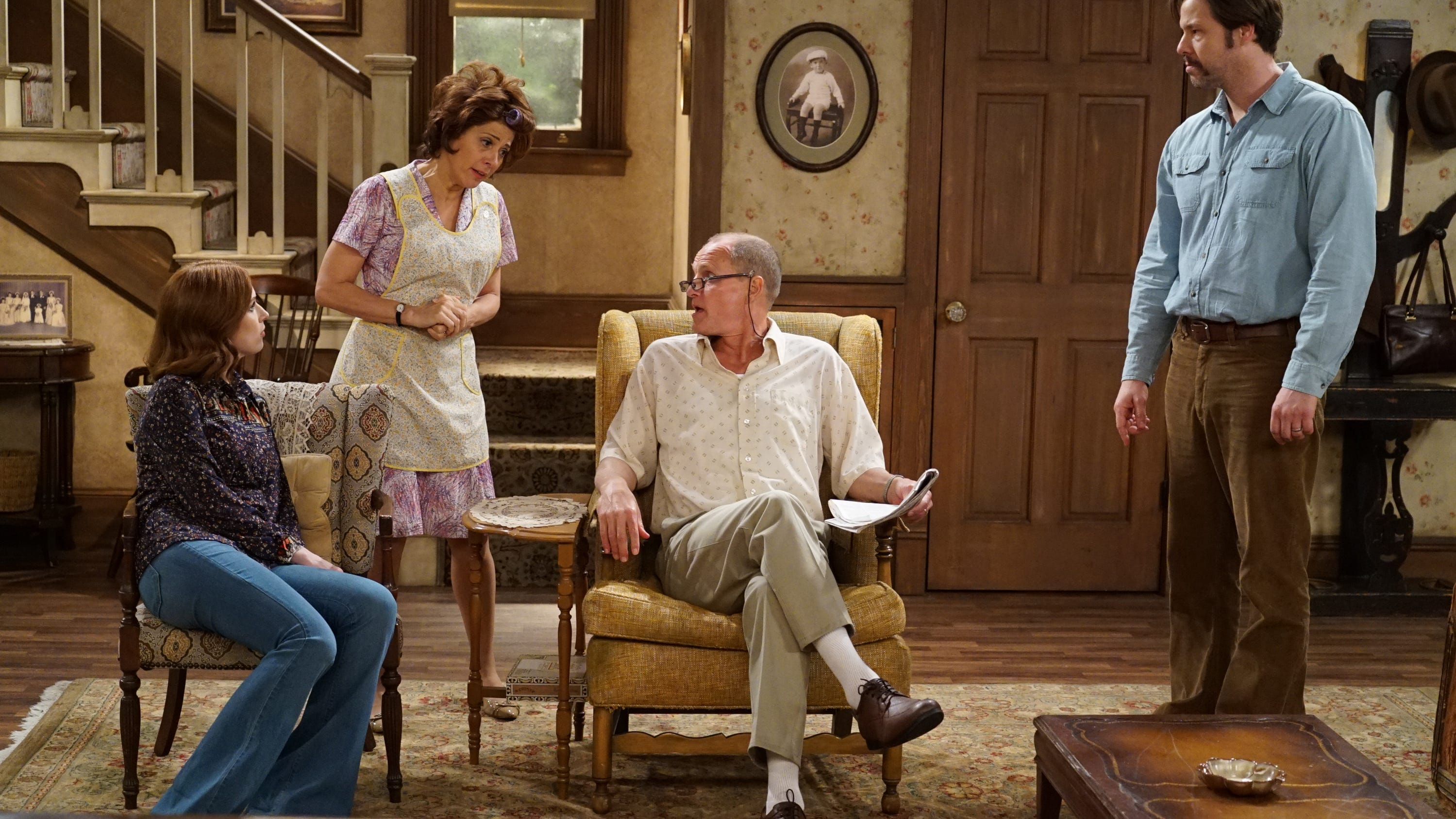 Kevin Bacon Woody Harrelson Marisa Tomei Star In Abc All In The Family See more of jimmy kimmel on facebook. kevin bacon woody harrelson marisa