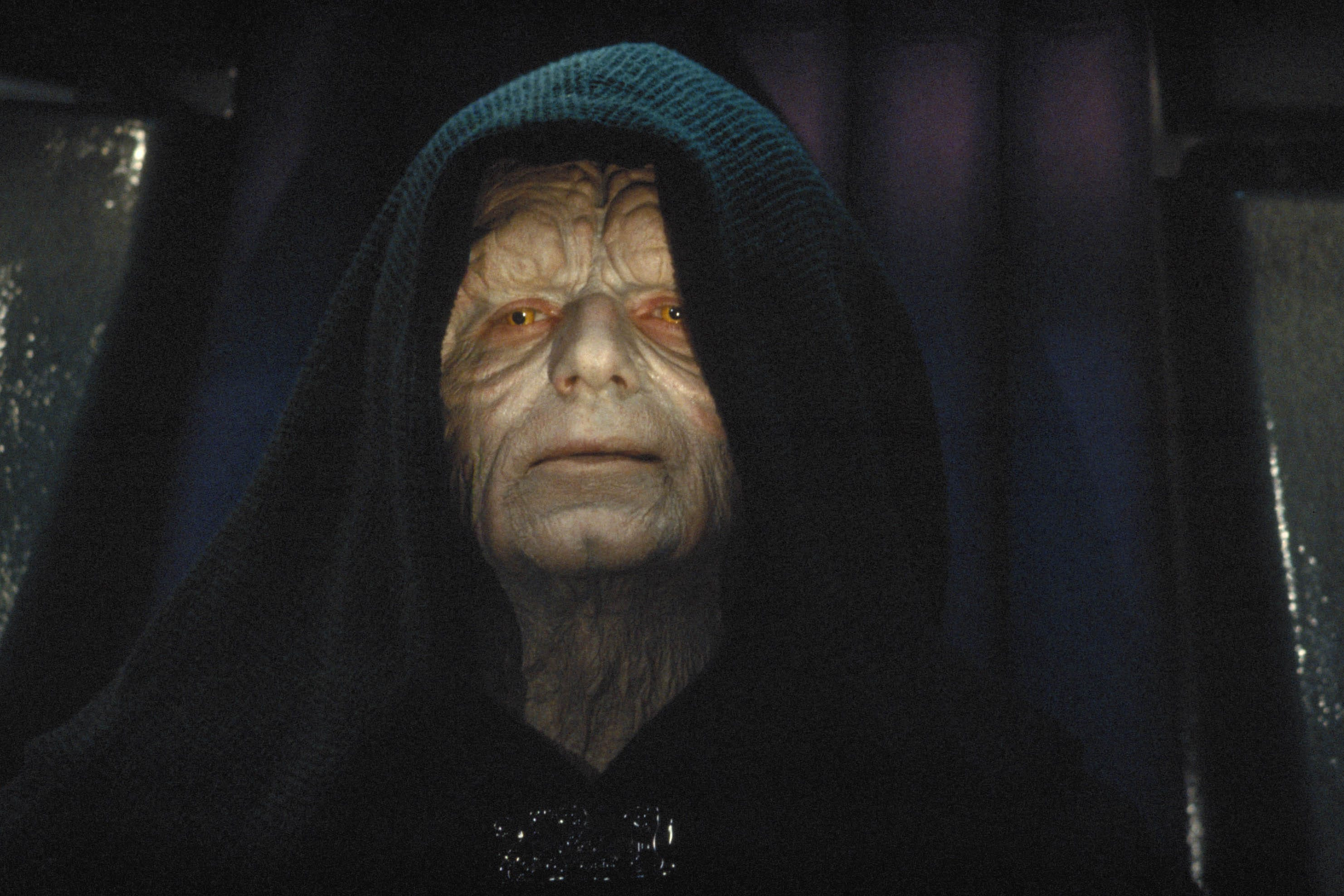 The Emperor strikes back! Why an 'absolutely dead' 'Star Wars' villain returns in 'Rise of Skywalker'
