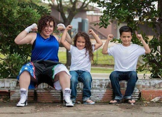 Linda Duarte with her mom, Melissa, and brother Killian.