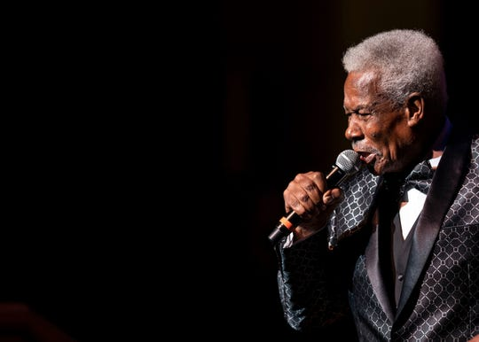 "Eddie Floyd performs his hit song ""Knock On Wood"" at the 2018 Memphis Music Hall of Fame Induction Ceremony."