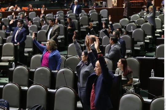 Con 16 votos en contra, 13 a favor y 0 abstenciones, la iniciativa fue rechazada.