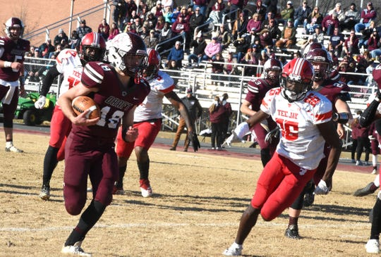 Stuarts Draft's Blake Roach had 163 yards in the state semifinal win Saturday over Thomas Jefferson.