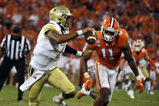 Fiesta Bowl between Ohio State and Clemson will showcase the two best players in college football