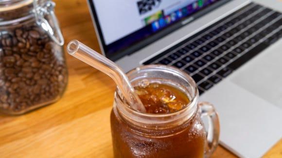 Best last-minute Amazon gifts: Hummingbird Glass Straws