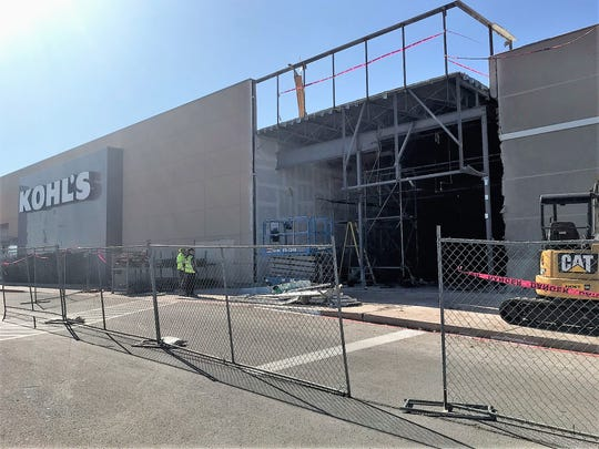 Crews were renovating space at 4765 Southwest Drive on Thursday to make way for a new ALDI grocery store.