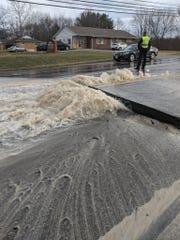 Traffic: Water main break closes State Route 48 in Hamilton