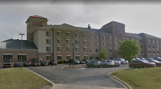The Comfort Suites Milwaukee-Park Place is again being denied permission for a new sign after facing accusations of discriminating against city residents.