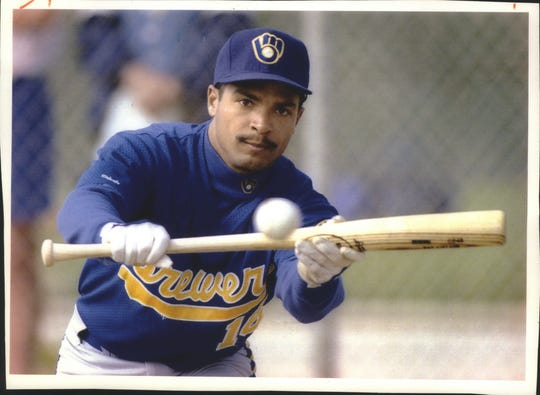 Pat Listach batted .290 in winning the AL rookie of the year award in 1992.