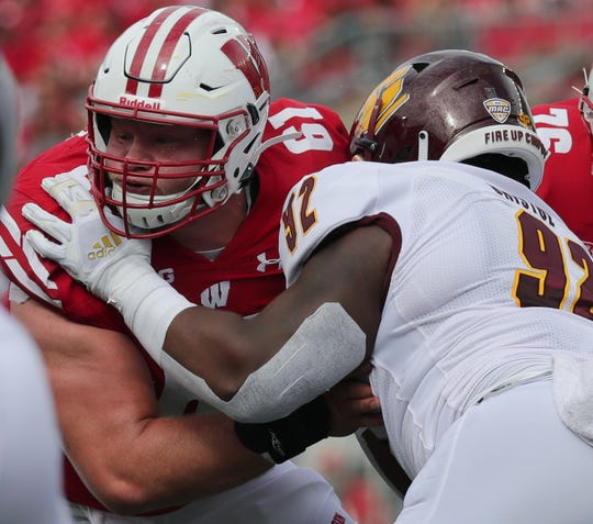 Tyler Biadasz became the first UW player to win the Rimmington Award, given annually to the nation's top center.