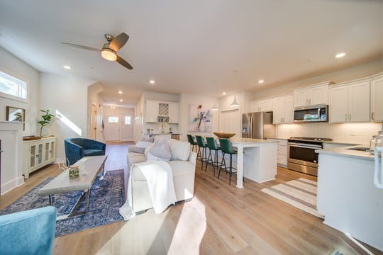 Mariners Cove townhomes feature open floor plans, hardwood floors and other luxury finishes.