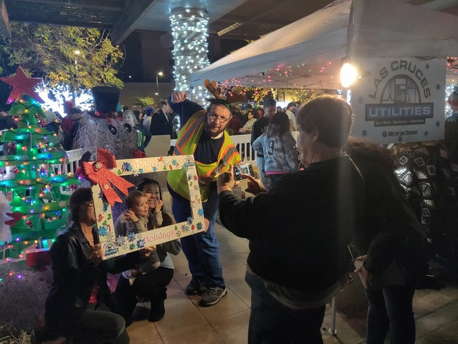 Las Cruces Utilities celebrates the holidays at this year's Christmas tree lighting ceremony at the Plaza de Las Cruces.