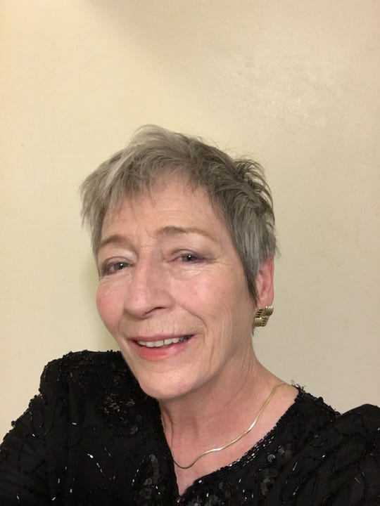 Donna Walker is in her third season with Voces Angelorem.