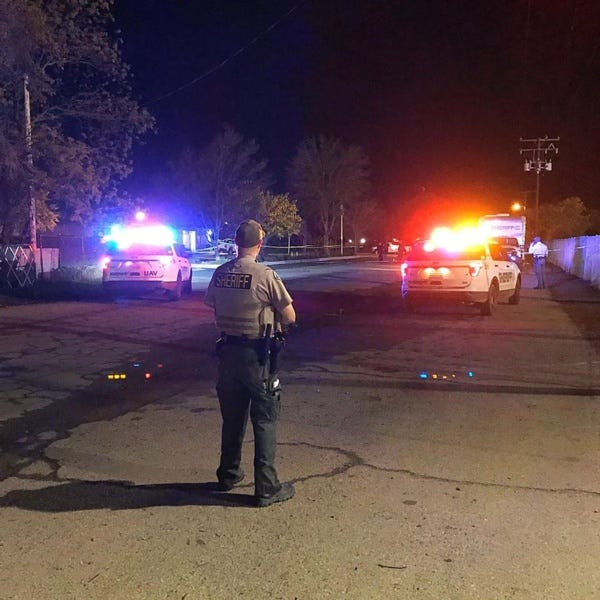 Tulare County Sheriff's Department deputies responded to a shooting Thursday night in Earlimart.