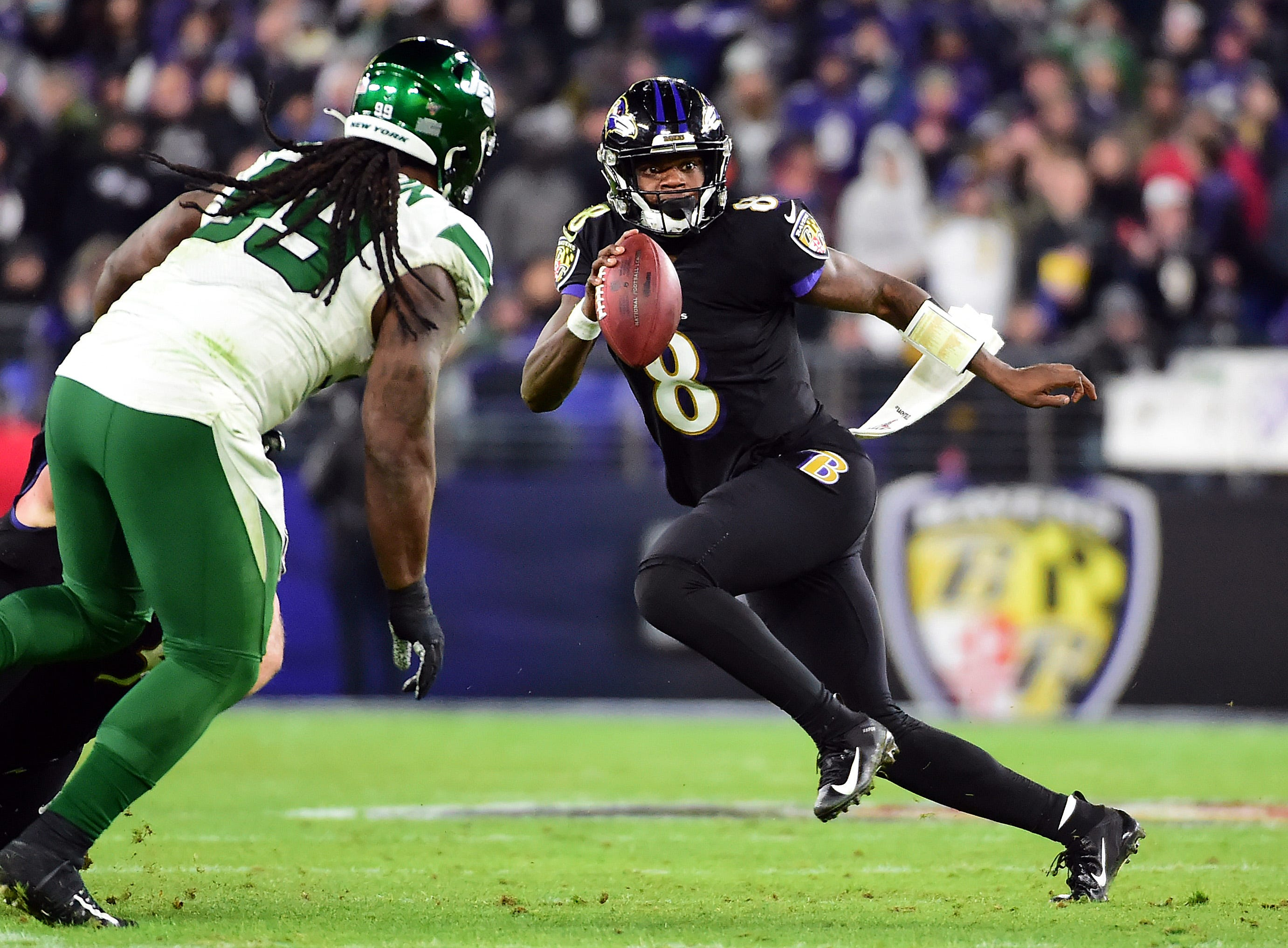 Opinion: With AFC North title in hand, should the Ravens be cautious with Lamar Jackson?