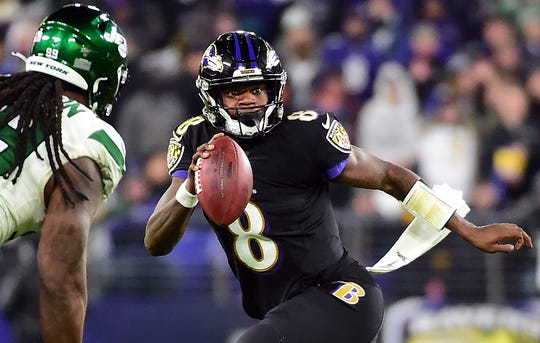 Lamar Jackson threw for 212 yards and a career-high 5 TDs in the Ravens' win over the Jets.