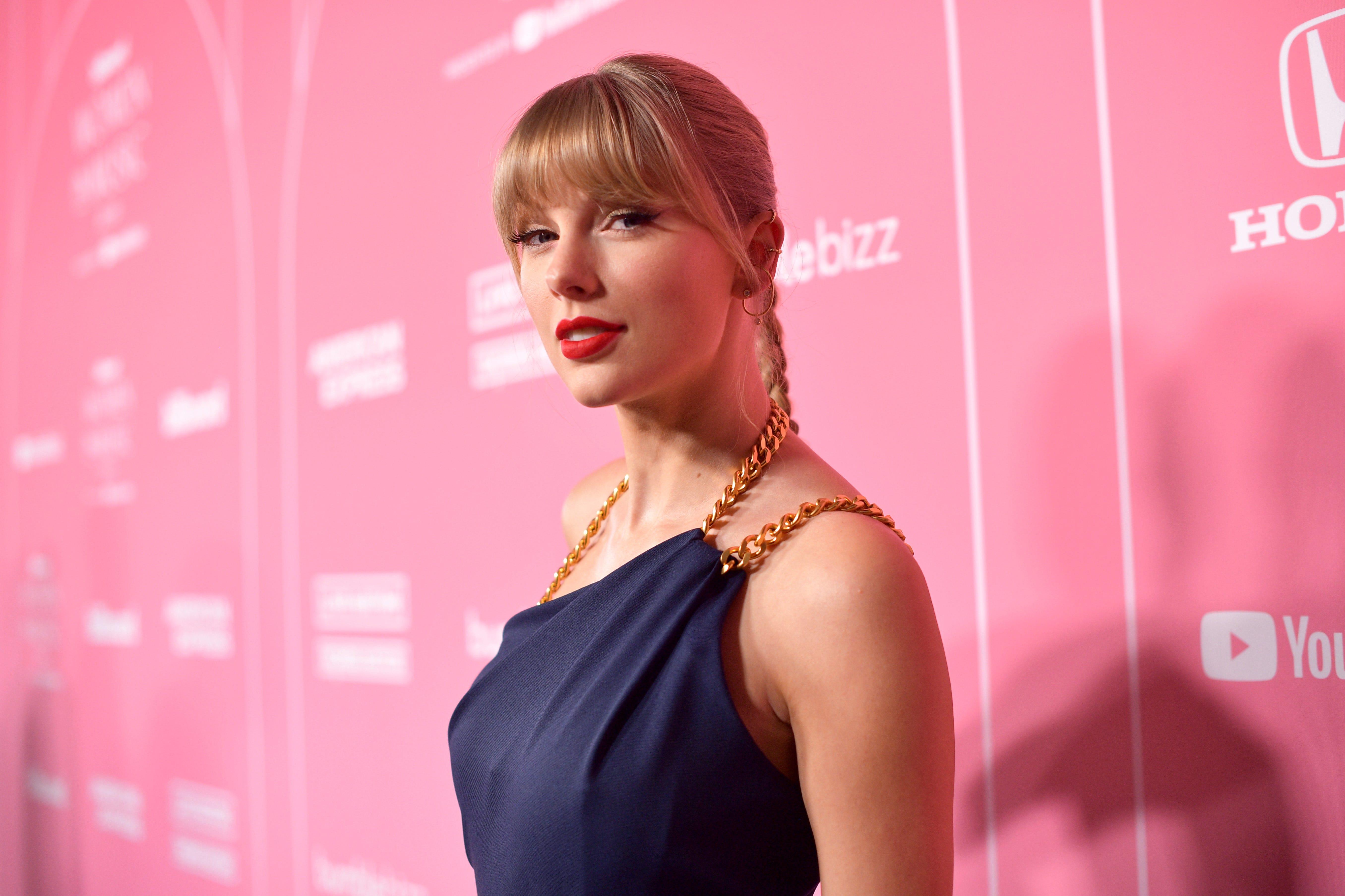 Taylor Swift slams 'toxic male privilege,' Scooter Braun in Billboard Woman of the Decade speech