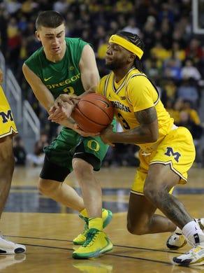Michigan basketball's comeback falls short in overtime loss to Oregon, 71-70