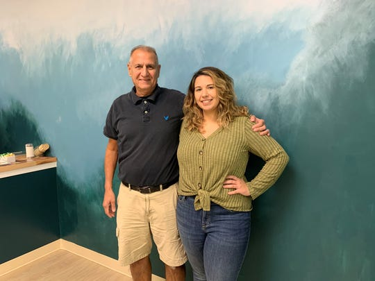 Sahar Soleymani gets some support from her dad, Dar Soleymani, as she prepares to open the doors on her first restaurant. Que Ricas, a Venezuelan cafe, will open Wednesday on Haddon Avenue in Westmont.