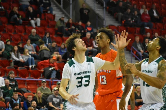 Evansville defeated Green Bay 72-62 on Saturday night.