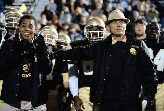 Cuba Gooding, Jr. and Ed Harris in a scene from the motion picture Radio.