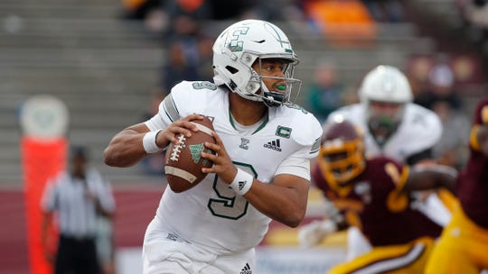 Eastern Michigan quarterback Mike Glass