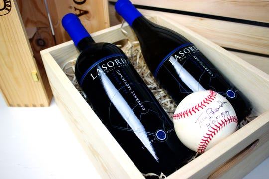 From baseball legend Tommy Lasorda, this gift box has a combo of California's most popular wines: chardonnay and cabernet.