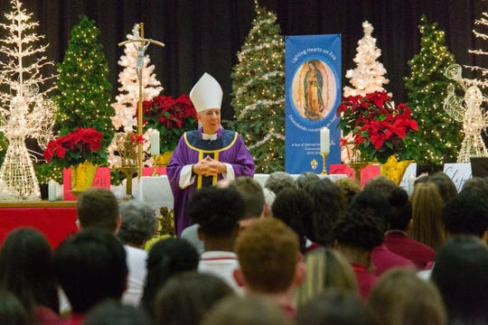 St. Thomas Aquinas High School celebrated the annual Ahr Star Pre-Christmas liturgy. The mass was concelebrated by Bishop James Checchio