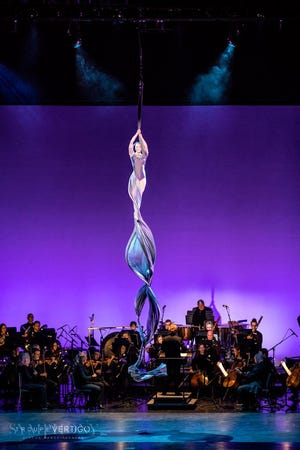 "The Des Moines Symphony will perform ""Cirque at the Symphony"" at 8 p.m. on New Year's Eve at the Des Moines Civic Center."