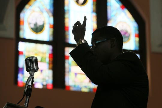 According a study released on Monday, Dec. 16, 2019 by the Pew Research Center, the median length of U.S. sermons in April and May was 37 minutes. Catholic sermons were the shortest, at a median of just 14 minutes, compared with 25 minutes for sermons in mainline Protestant congregations and 39 minutes in evangelical Protestant congregations. Historically black Protestant churches had by far the longest sermons, at a median of 54 minutes.