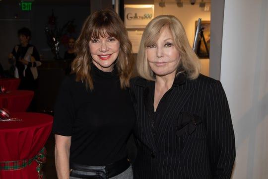 Bobbie Eakes poses with legendary actress, poet and artist Kim Novak.