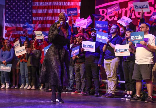 Nina Hudson Turner fires up the crowd before introducing Bernie Sanders during a campaign rally in Rancho MIrage, December 16, 2019.