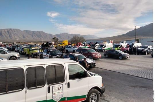 Unos mil 300 vehículos con paisanos ingresaron a Nuevo Laredo procedentes de EU con motivo de temporada de fin de año y se dirigen en caravana a Querétaro.