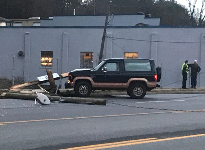 A crash shortly before 5 p.m. closed a portion of Greenville Avenue in Staunton.