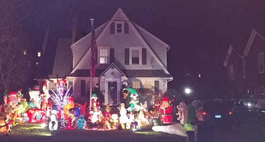 Coffey house in Pleasantville decorated for the holidays.