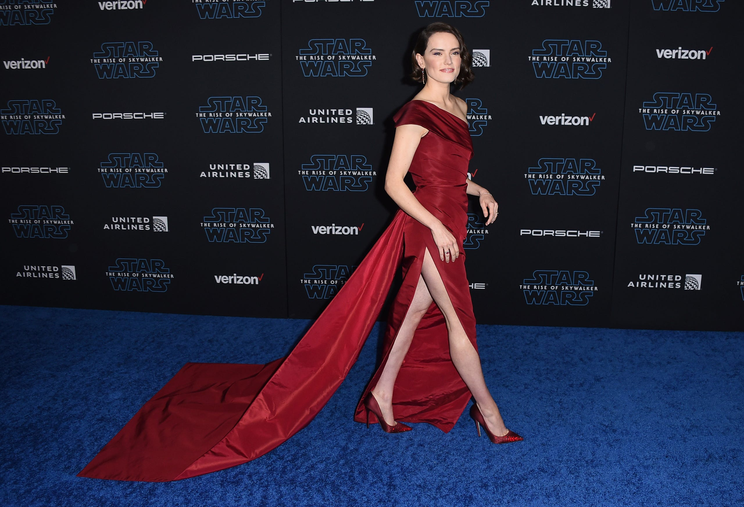 Star Wars The Rise Of Skywalker Premiere Adam Driver Daisy Ridley