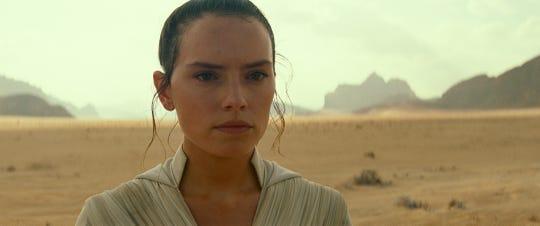 """Rey looks focused in """"The Rise of Skywalker."""""""