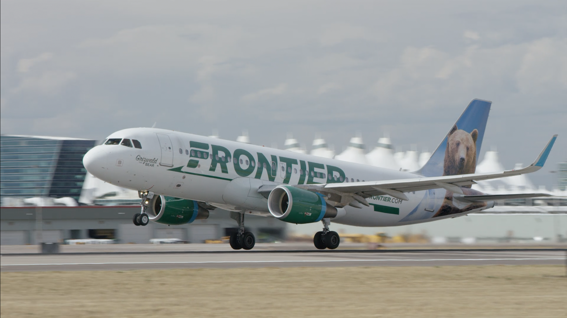 Frontier CEO says CDC should update coronavirus travel advice:  Flying is not dangerous