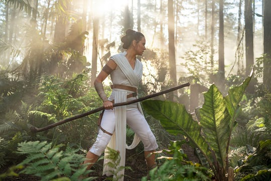 You can almost hear sounds of the jungle when you catch a glimpse of this Rey photo.